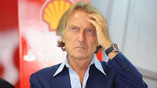 Ferrari-Chef Luca di Montezemolo greift sich mit der linken Hand an die Stirn.