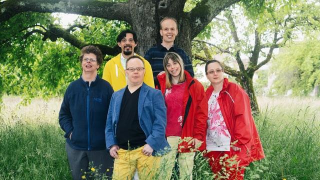 Vorn im Bild: Yvonne, Remo, Dominique, Isabella; hinten im Bild: Manuel und Niklaus.