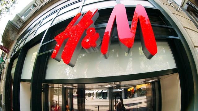 Eingang von H&M-Laden.