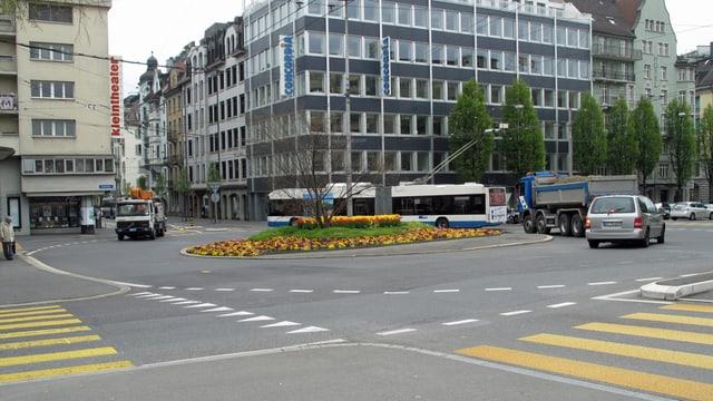 Fussgängerstreifen am Luzerner Bundesplatz.