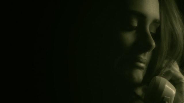 Adele muss eine hohe Telefonrechnung haben («I must have called a thousand times..» - Hello)