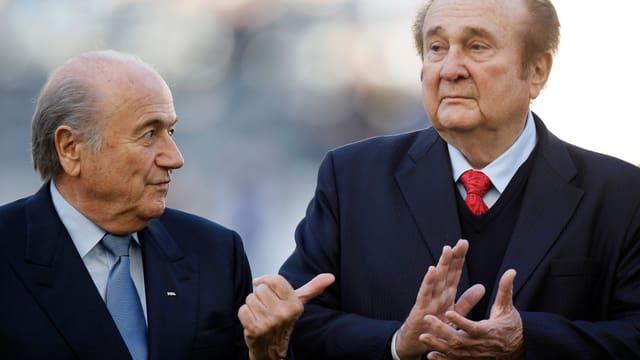 Joseph Blatter und Nicolas Leoz.