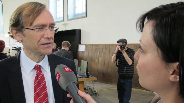 SP-Kandidat Andreas Bühlmann im Gespräch mit Redaktorin Noëmi Ackermann