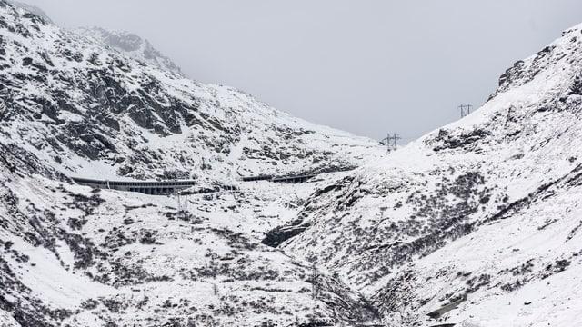 Schneebedeckter Gotthard