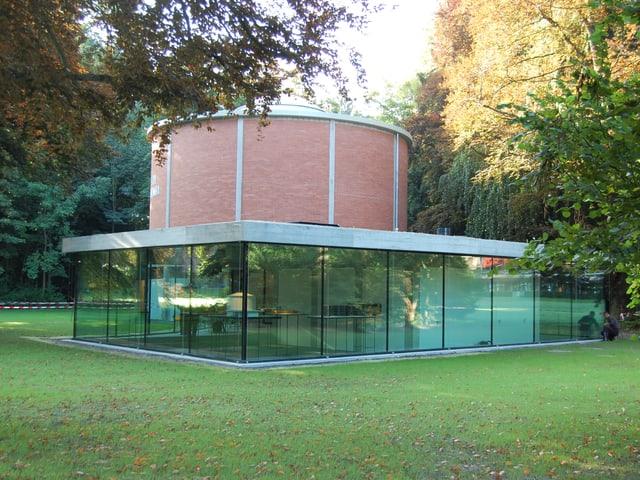 Der renovierte Rundbau des Thun-Panoramas von 1961 mit dem neuen Anbau im Vordergrund.