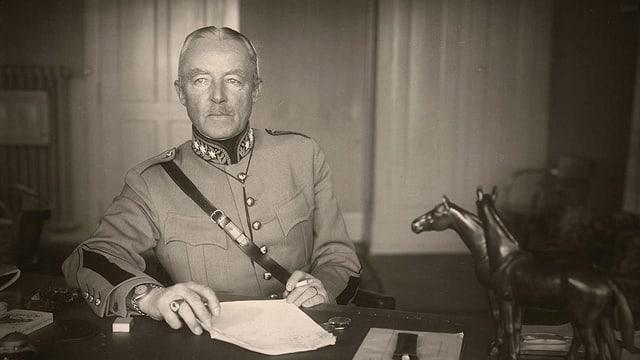 Il general svizzer durant la Segunda Guerra mundiala, Henri Guisan.