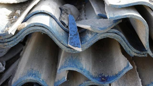 Asbest vegniva era duvrà per bajegiar chasas.