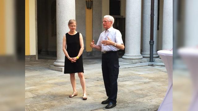 La presidenta da l'uniun tetgala dal SKJF Vreni Winzeler ensemen cun il president dal comité d'organisaziun dal SKJF...