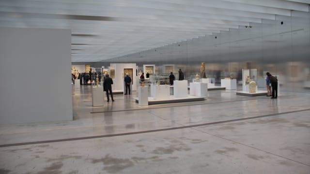 L'exposiziun en il museum Louvre Lens.