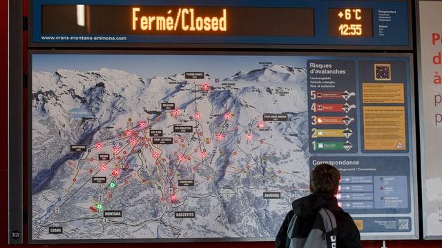Eine Karte mit Bergbahnen.