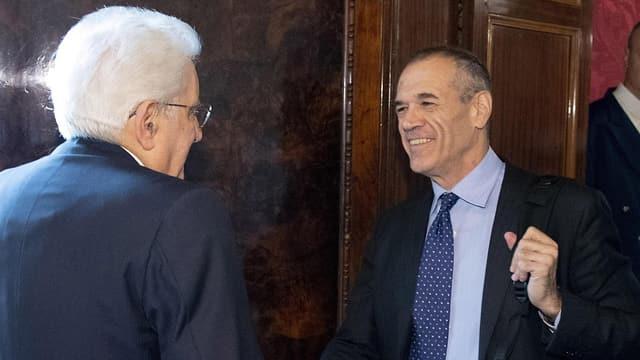 Präsident Mattarella empfängt Cottarelli.