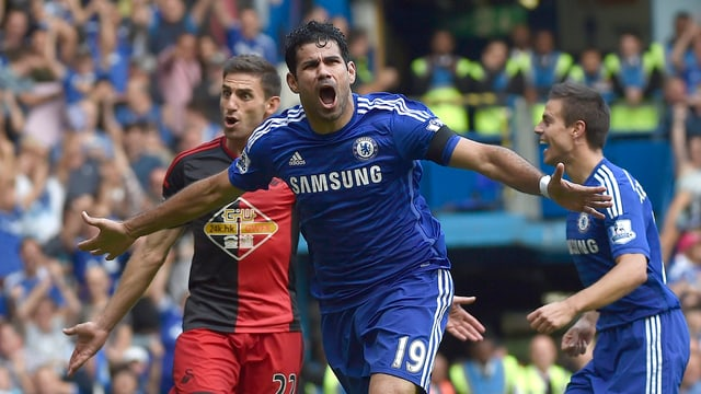 Diego Costa jübelt über eines seiner drei Tore gegen Swansea.