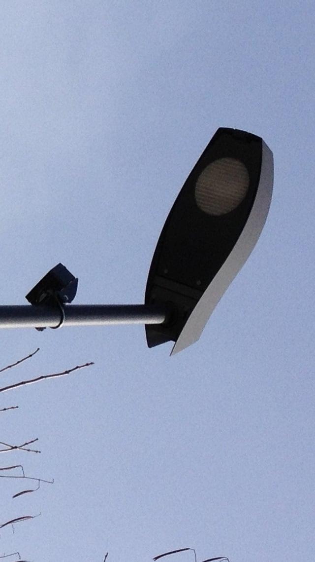 Eine intelligente LED-Strassenlampe.