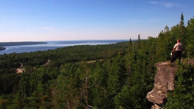 Video «Auf den Spuren der ersten Siedler (2/3) - Entlang der grossen Seen» abspielen