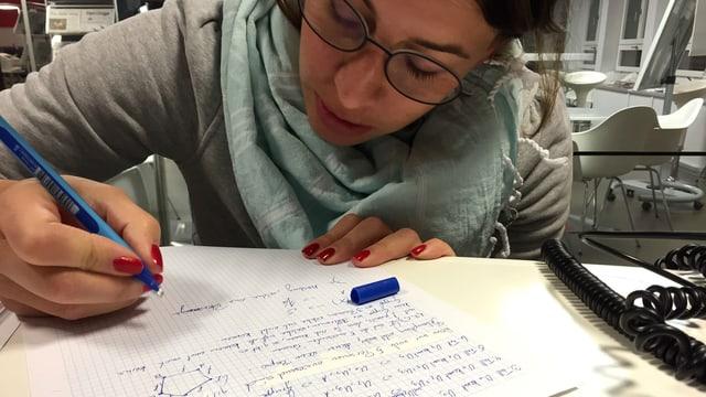 Dominique Gisin macht Hausaufgaben.