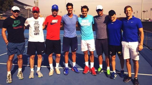 Thanasi Kokkinakis und Roger Federer trainierten gemeinsam in Dubai.
