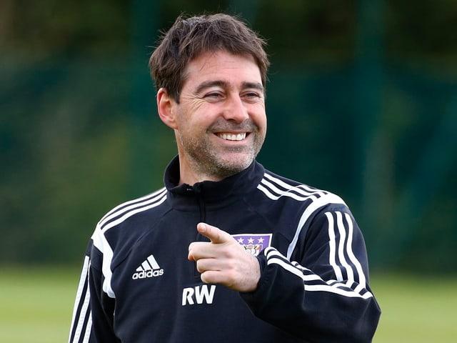 Weiler lächelt im Training.