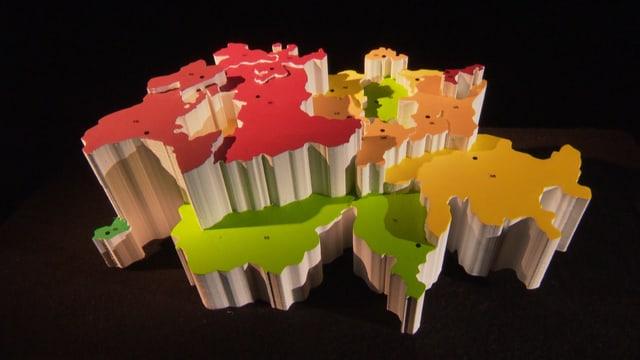 3D-Schweizer Karte mit verschieden eingefärbten Kantonen.