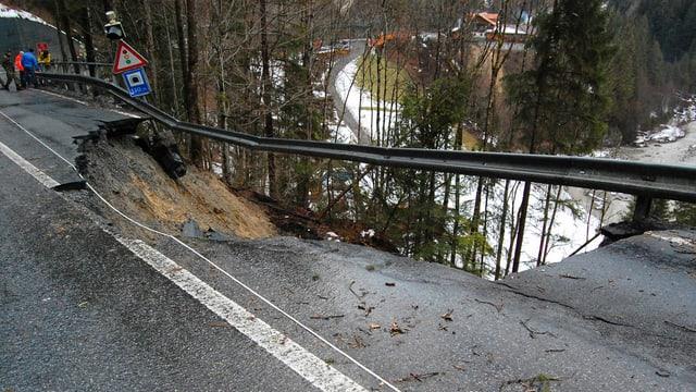 La via ad Adelboden è interrutta il mument.