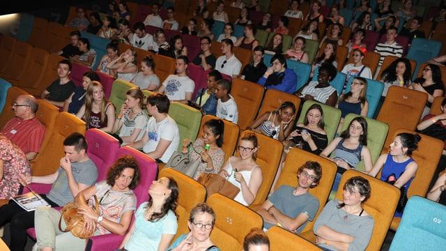 Kinosaal mit Kindern