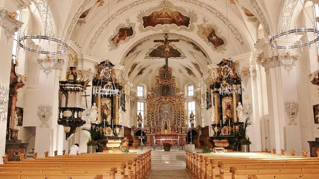 Innenansicht der Kirche von Andermatt.