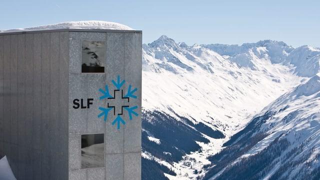 SLF-Gebäude aus Beton in den Bergen