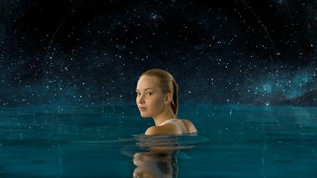 Jennifer Lawrence im Wasser