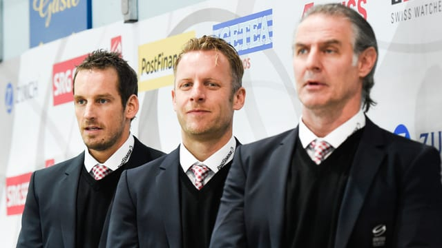 Da sanester: Il schef-trenader Patrick Fischer cun ses dus assistents Reto von Arx e Felix Hollenstein