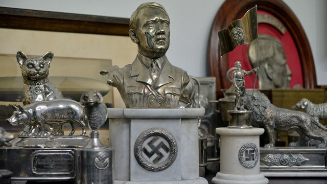 Mehrere Nazi-Devotionalien.