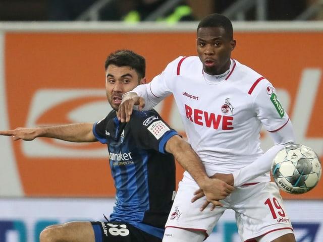 Köln setzt sich am Ende gegen Paderborn durch.