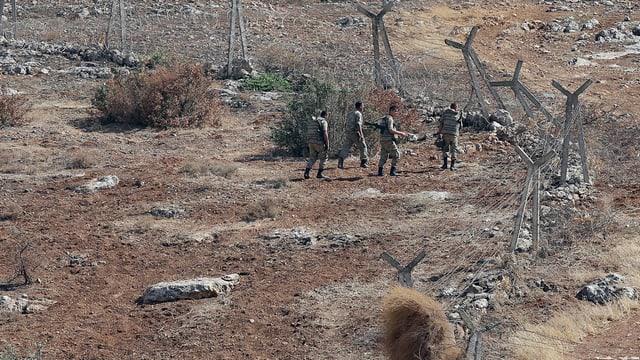 Türkische Soldaten auf Patrouille an der türkisch-syrischen Grenze