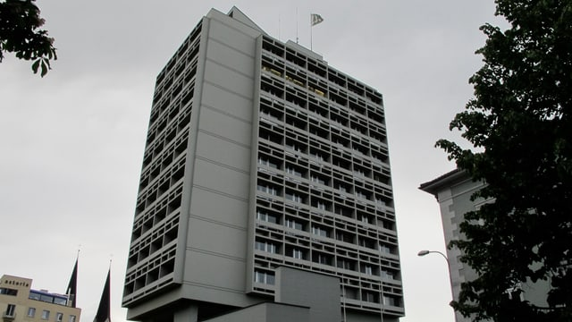 Das Oltner Stadthaus, ein graues, grosses Bürogebäude