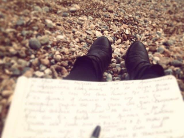 Fotografia scriver a la riva da la mar