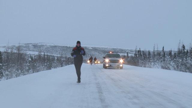 Video «Wenn jeder Atemzug schmerzt - Zehnkampf im Norden Kanadas (Winter-Challenge 13-5)» abspielen