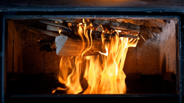 Die «obere Abbrandmethode» kehrt das Feuer quasi um.