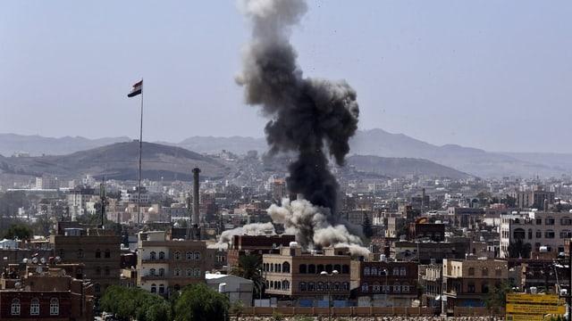 Bombeneinschlag in Sanaa