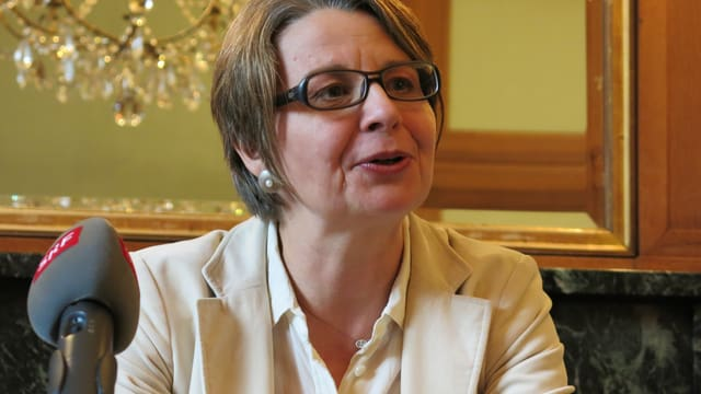 Martina Bernasconi bei der Pressekonferenz.