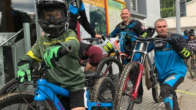 Mountainbiker am Brambrüesch