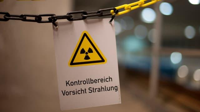 Strahlen-Warnschild