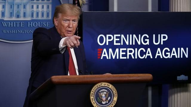 Donald Trump an der Medienkonferenz im Weissen Haus.
