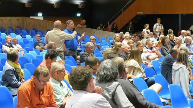 Blick in den Saal des Kongresshauses mit Publikum