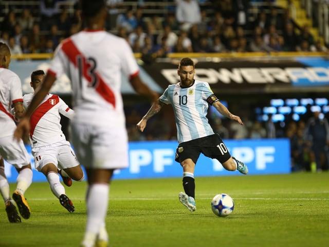 Lionel Messi bei einem Abschluss.