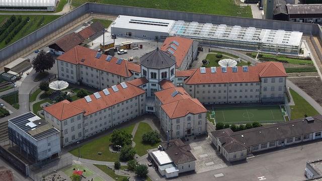 Luftansicht der Strafanstalt Lenzburg.