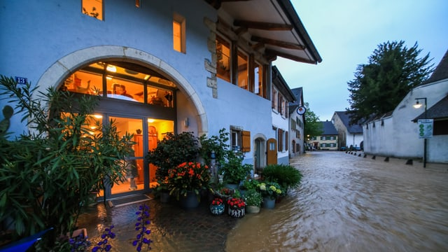 In Muttenz kam es am Pfingstsamstag zu Überschwemmungen.
