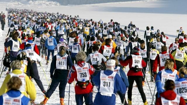 Participantas dal maraton da las dunnas