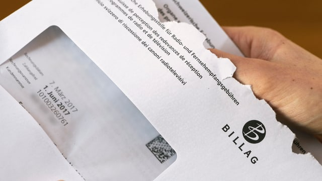 ina brev da la Billag che vegn averta
