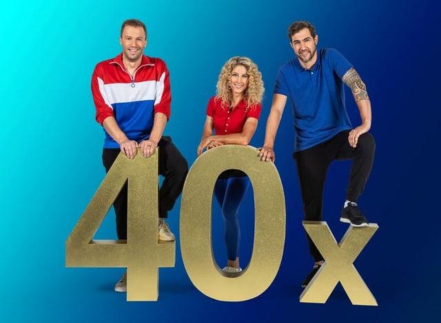 Jolanda Neff, Jonny Fischer und Manuel Burkart posieren mit einer goldenen «40».