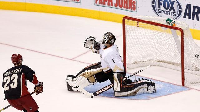 Trotz starker Leistung konnte Jonas Hiller die Niederlage seiner «Ducks» nicht verhindern.