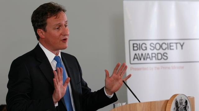 Premier Cameron bei einer Rede