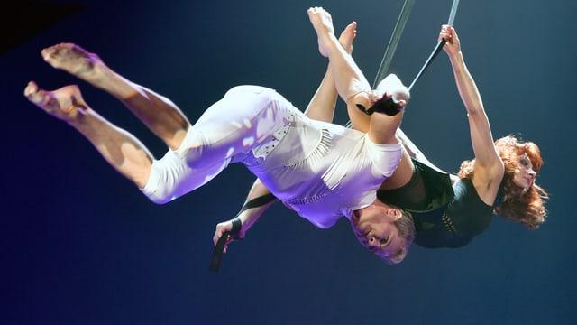 Symbolbild einer Luftakrobatiknummer im Zirkus Knie.